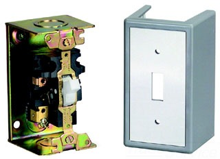 Square D 2510FG1 Fractional Horsepower Manual Starter w/Melting Alloy Type Thermal Overload Relay. Single Pole Toggle Operator in a Nema 1(General Purpose) Surface Mounting Enclosure. (Picture for reference only--2510FG1P is shown here)