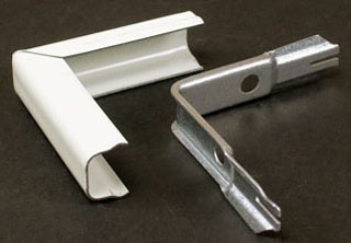 WIREMOLD V518 : STEEL EXTERIOR ELBOW 500 IVORY