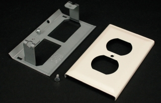 WIREMOLD G3043BE : STEEL DUPLEX RECEPTACLE PLATE 3000 GRAY